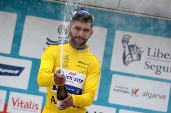 Primeira etapa e camisola amarela para Fernando Gaviria na Volta ao Algarve