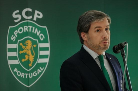 Adeptos do Sporting divididos entre Bruno de Carvalho e Madeira Rodrigues