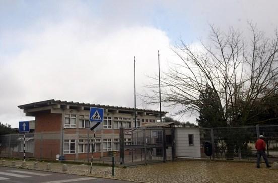 Câmara do Seixal exige obras urgentes na escola básica Paulo da Gama