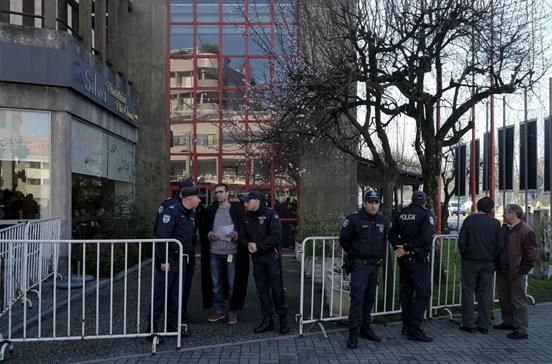 Greve dos guardas prisionais adia julgamento da 'Operação Fénix'