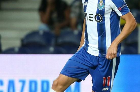 Adrián López obrigado a abdicar de prémios