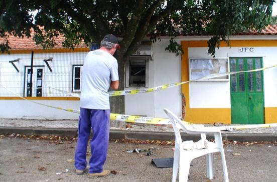 Acusados de roubar multibancos à bomba em Santarém