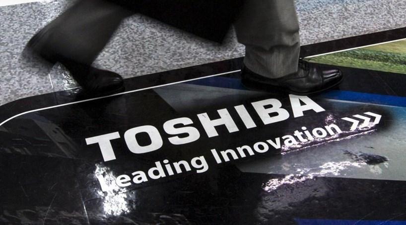 Toshiba 'afunda' em bolsa devido a prejuízos e demissão de presidente