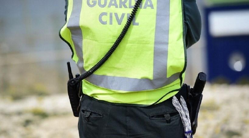 Menino de seis anos salva mãe ao ligar para a polícia