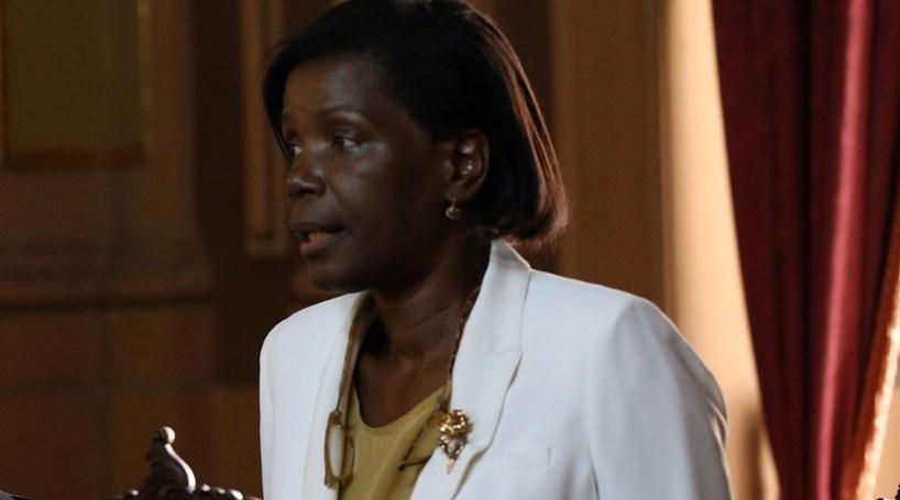 Visita de António Costa a Angola comprometida