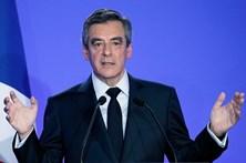 François Fillon vai ser acusado mas não anula candidatura às presidenciais