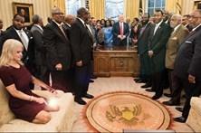 """Internet brinca com """"descontração"""" de assessora de Trump"""