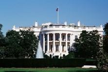 Casa Branca encerrada após descoberta de pacote suspeito