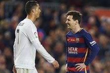 Barcelona denuncia desigualdade de tratamento a Messi e Ronaldo