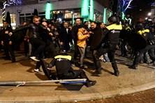 Turcos protestam nas ruas de Roterdão