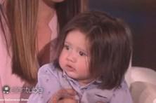 Bebé com cabeleira impressionante faz furor nas redes sociais
