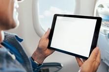Reino Unido quer proibir aparelhos eletrónicos em aviões