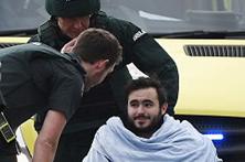 Sobrevivente português não esquece o sangue no chão