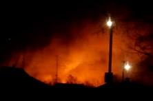 Explosão em depósito de armas na Ucrânia obriga a retirar milhares de pessoas