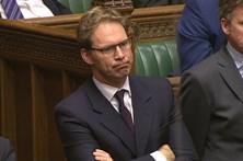 Deputado herói remeteu-se ao silêncio no parlamento britânico