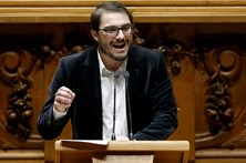 """PCP pede resistência ao Governo a """"imposições externas"""" da Comissão e BCE"""