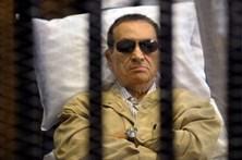 Ex-presidente do Egito libertado após seis anos de prisão