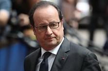 Hollande critica Le Pen e reitera apoio a Macron