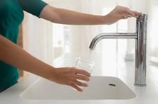 Marcelo promulga taxa de 50 cêntimos na água para compensar custos no interior