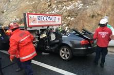 Colisão entre ligeiro e pesado faz três feridos em Murça