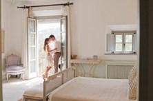 Hotel reembolsa casais divorciados