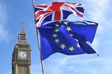 May oferece 20 mil milhões de euros para sair da UE
