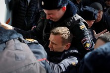 Milhares de pessoas em manifestações na Rússia contra a corrupção