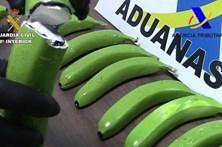 Apanhados a traficar cocaína dentro de bananas falsas