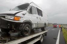 Despiste de carrinha na A1 faz sete feridos, um deles grave