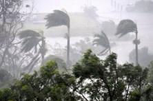 Forte ciclone fustiga várias ilhas na Austrália e provoca estragos