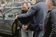 Homicida de Ovar chora antes de ir para a cadeia