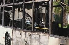 Autocarro incendeia-se com 30 pessoas a bordo em Rio Tinto