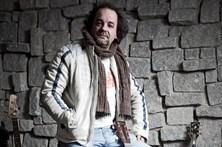 Landum pede 5 milhões por canção usurpada