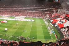 Casa cheia rende 1 milhão ao Benfica