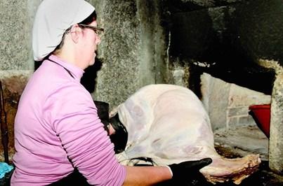 Feira da Foda à Monção promove anho no forno