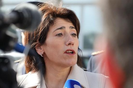 Ministra diz que houve falhas de supervisão no desaparecimento de armas