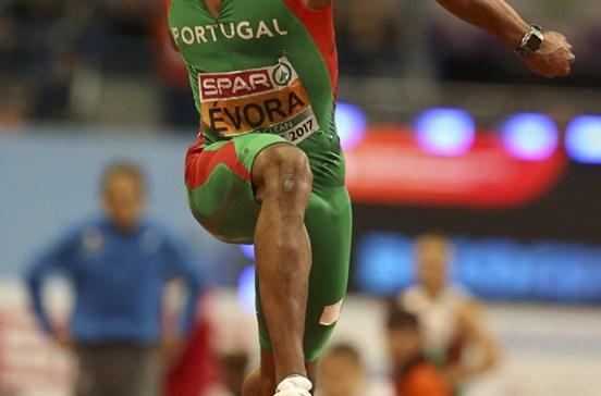 Nelson Évora é campeão europeu do triplo salto