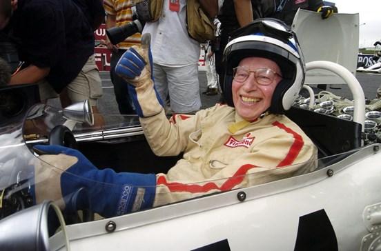 Antigo campeão de Fórmula 1 morre aos 83 anos