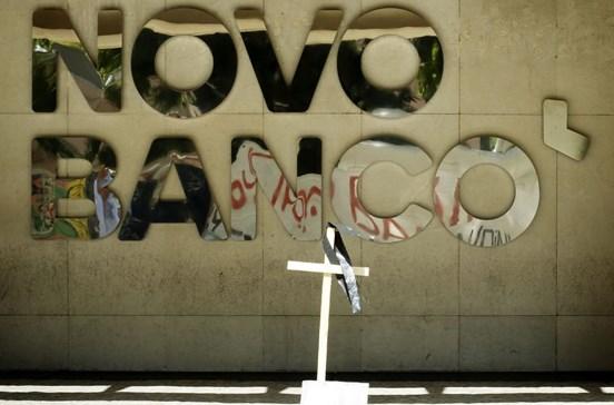Bruxelas pede monitorização da venda do Novo Banco e recapitalização da CGD
