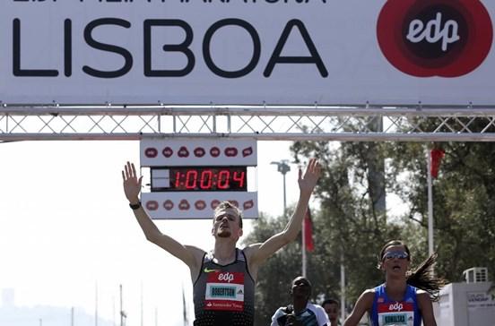 Jake Robertson e Mare Dibaba vencem meia-maratona de Lisboa