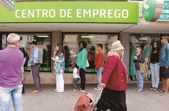 Desempregados intimados a responder em dez dias