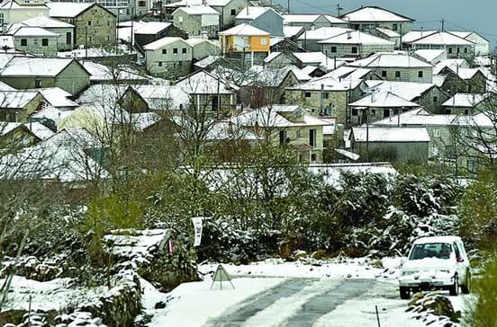Primavera fria com neve, chuva e vento