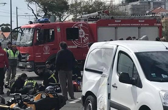 Motociclista ferido em colisão