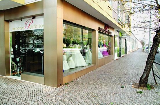 Rouba sete mil euros em vestidos de noiva