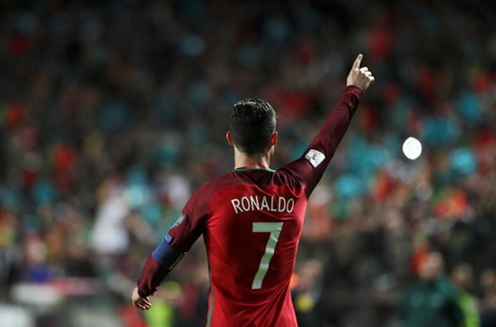 Portugal vence Hungria com dois golos de Ronaldo