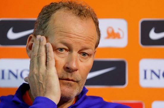 Danny Blind demitido do cargo de selecionador da Holanda