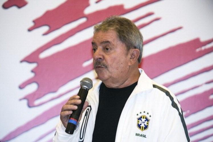 Lula é condenado a 9 anos por corrupção