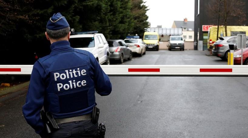 Bélgica entrega à França três suspeitos de cumplicidade com alegado terrorista