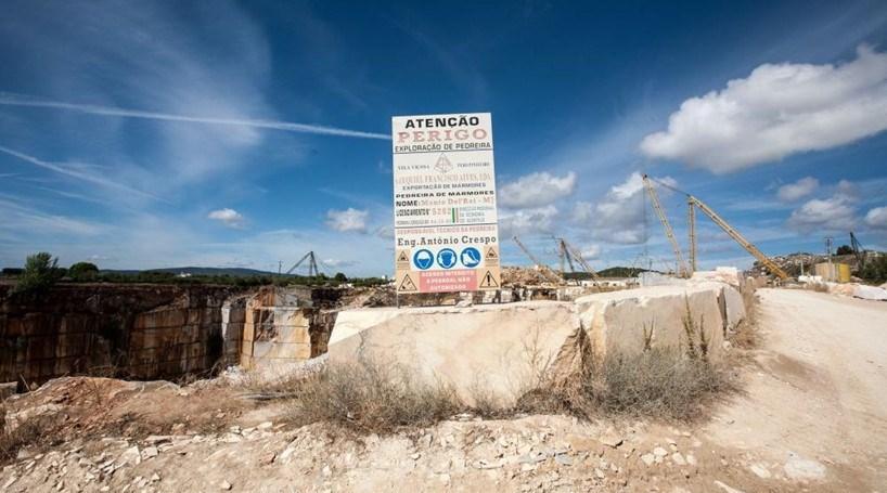Acidente de trabalho causa ferido grave em Sintra