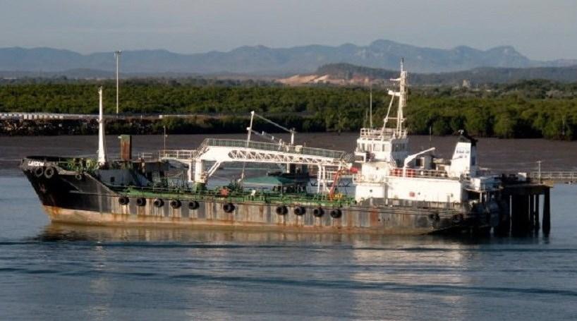 Piratas entregam petroleiro e oito reféns do Sri Lanka